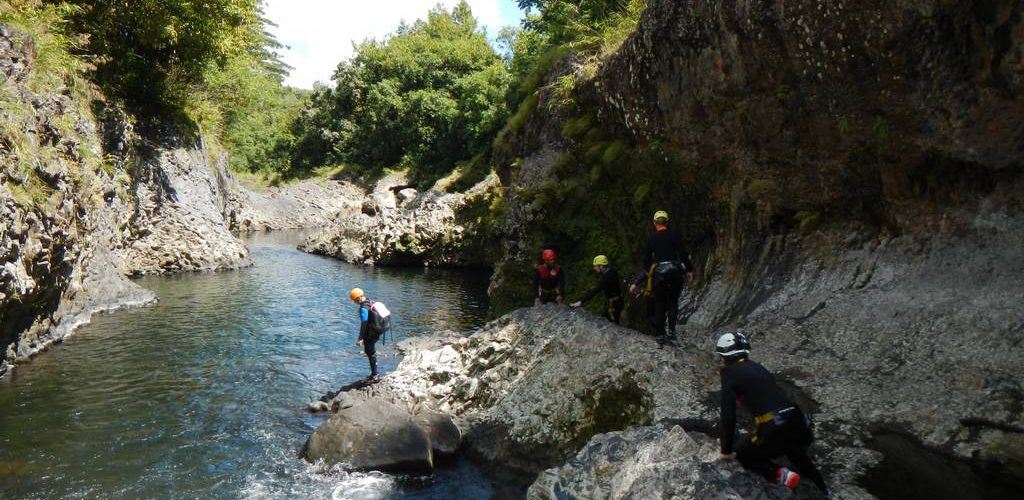 canyon-hiking-reunion-riviere-roches-1